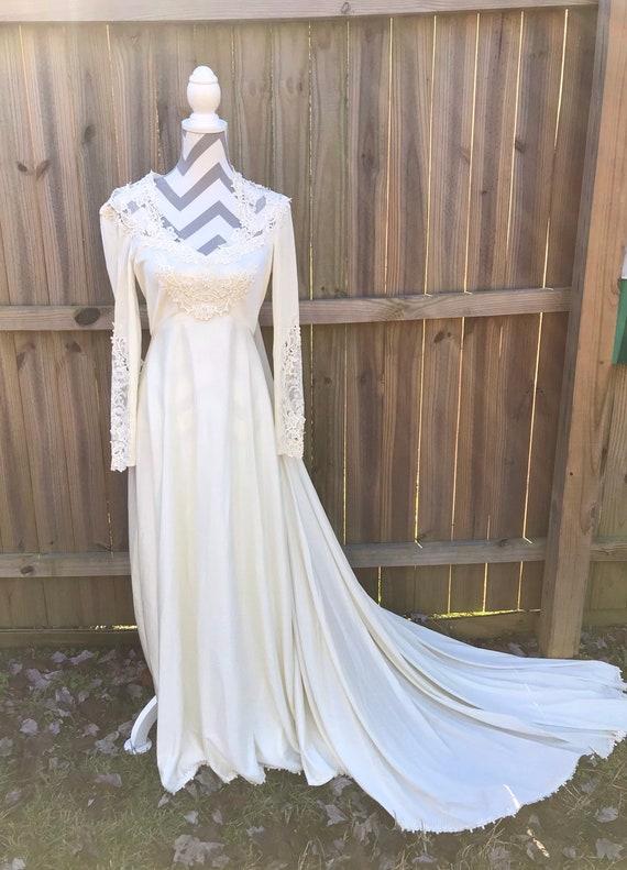 Wedding Dress, Bridal Dress, Custom Vintage  Weddi