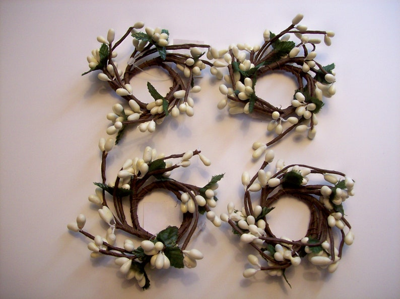 Set of 4 Pip Berry Candle Rings Cream  Ivory  1 opening  berries