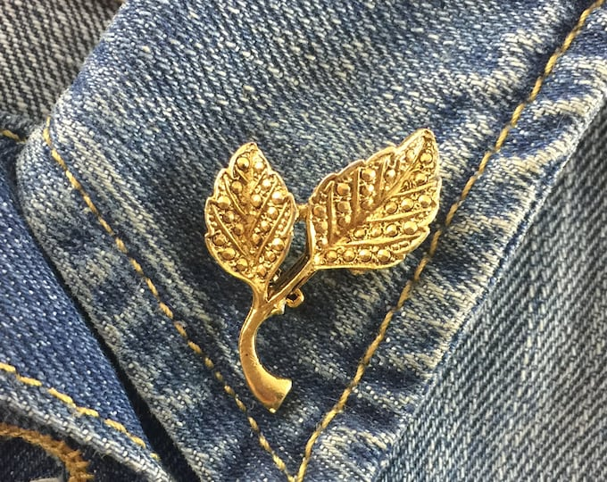 gold tone leaf brooch with marcasites | stock# 866