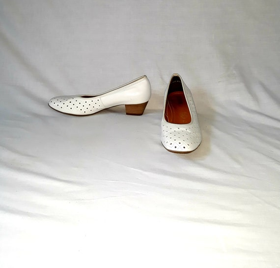 vintage perforated women white shoes loafers size