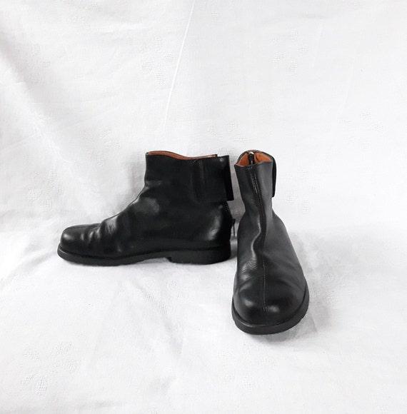 vintage black leather ankle boots unisex Size EU 4