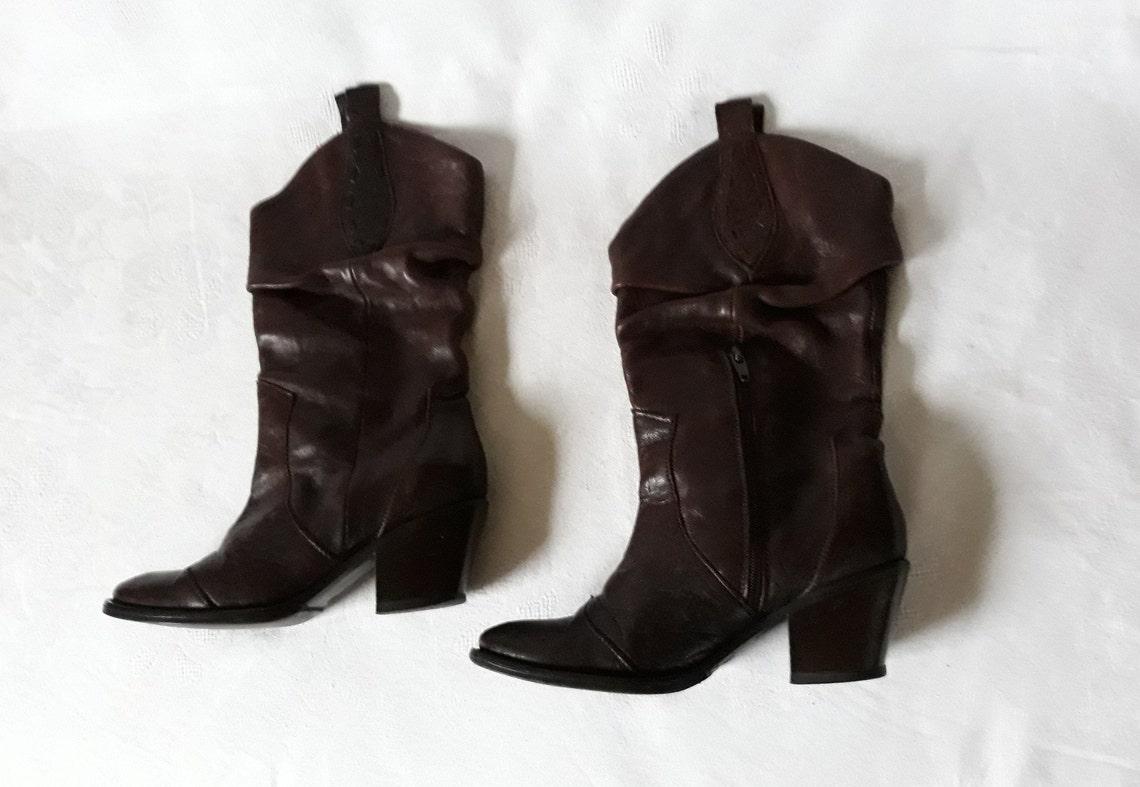 Vintage coñac marrón cuero mitad botas occidentales mujeres tamaño EU 37 primavera vaquera vaquero grueso talones puntiagudos de la puntera boho ranch traje de montar