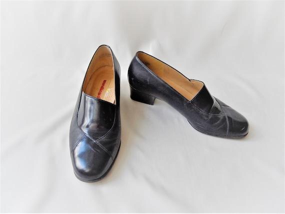 Vintage shoes Medicus black women