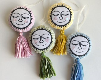 Sun sewing kit, DIY needle work hanging decoration, sewing kit-beginner/intermediate-embroidery, sunshine,