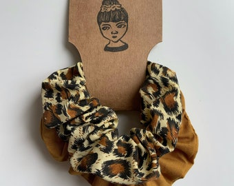 Srunchie multi pack. Leopard print and mustard coloured scrunchie. Ladies neutral scrunchies. Workwear.