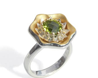 Modern Statement ring. Silver and Peridot cocktail ring with 18 kt yellow gold + gilding. Contemporary Art Jewelry. Ready to ship Size N+