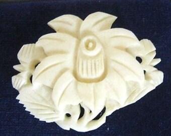 Delightful Vintage Carved Flower Brooch