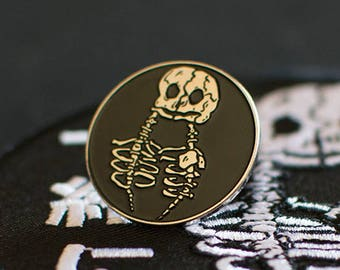 "Medical Oddity Pin - 1"" (2.54 cm)"