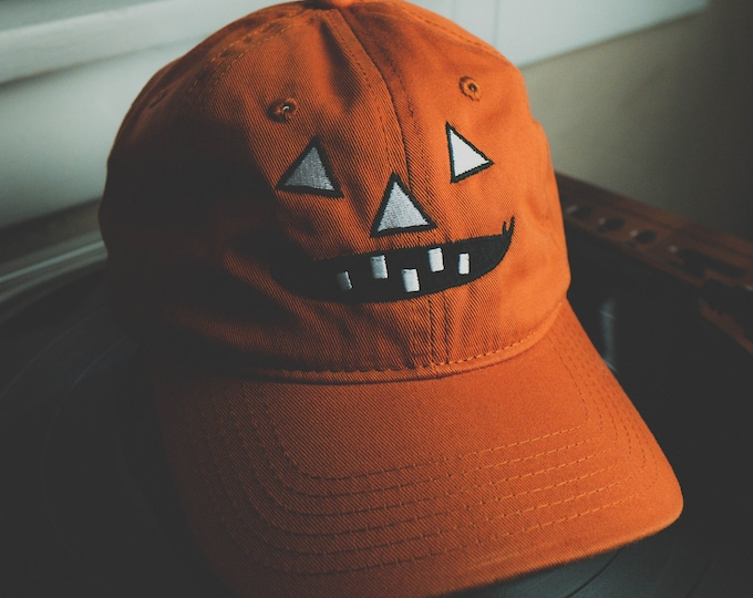Featured listing image: Kids Pumpkin hat in retro orange