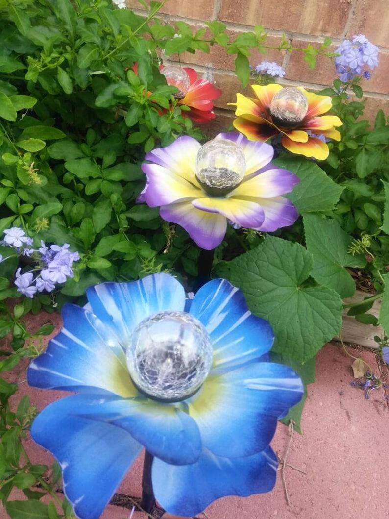Metal Solar Light Flower Set of 4 Metal Garden Art  Metal image 0