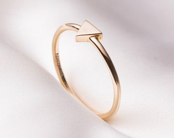Handmade minimal 14k gold ring, Triangle ring, gold ring, Simple ring, Stackable Ring, 14k solid gold ring for women, stacking ring