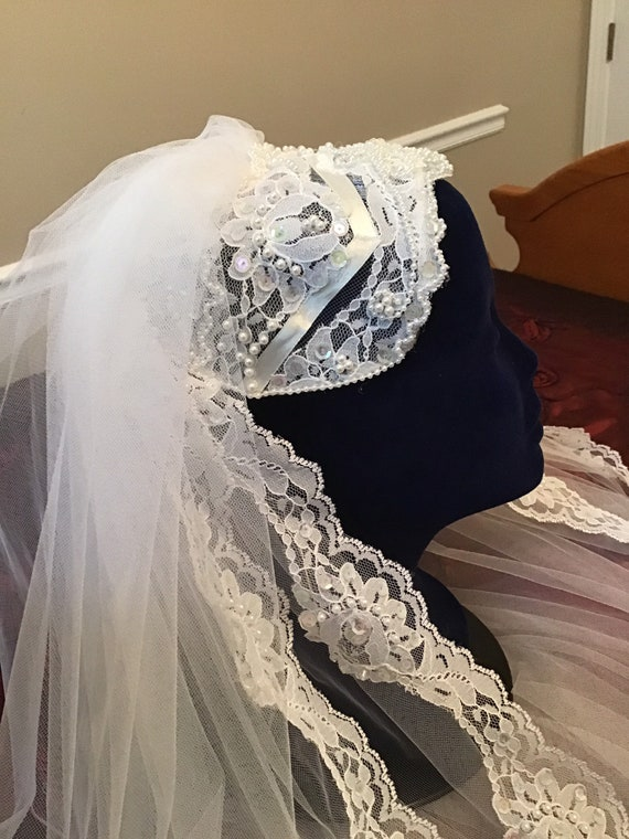Vintage Juliet cap and veil, super glam!