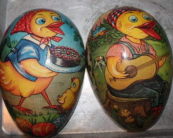Chicken Easter Egg Candy Container made in German Democratic Republic - Beautiful Easter Decor - Vintage 1950's Paper Mache - Papier-mâché