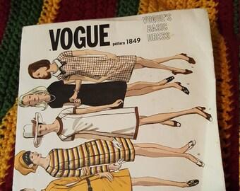 Vintage Vogue #1849  Size 16 Loose Fitting Dress