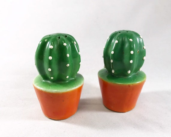 Vintage Made in Japan Novelty Cactus Salt and Pepper - Cacti Shakers