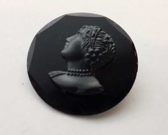 Victorian Black Cameo Mourning Brooch - Small Round Brooch in Jet Black on Metal Back with C Clasp