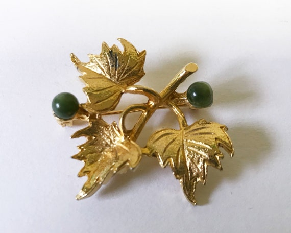 Vintage Mid Century Hobé Jewelry Brooch Gold Tone Grape Leaves and Jade Berries - Signed