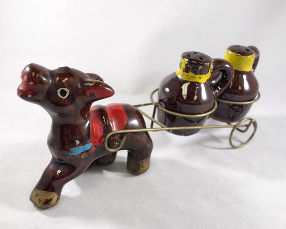 Vintage Redware Donkey Cart Novelty Salt and Pepper Shakers Made in Japan