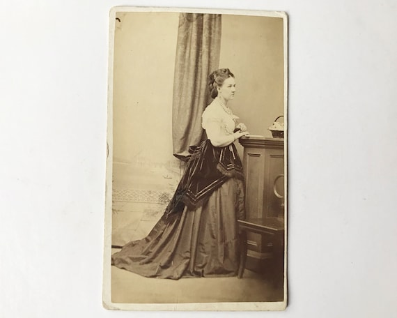 Antique Carte de Visite CDV Photograph of Victorian Woman, Tullamore, Offaly, Ireland