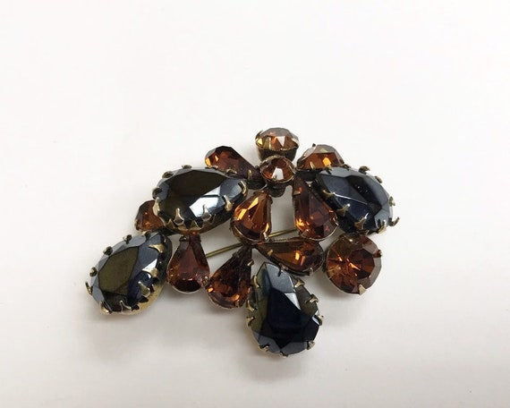 Vintage Signed REGENCY Jewelry Brooch - Brown and Black Rhinestones