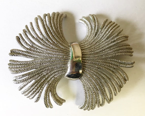 Vintage Mid Century Pastelli Signed Jewelry Brooch - Abstract Wheat Sheaf in Platinum Tone