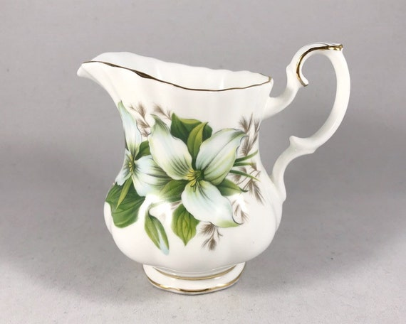 Vintage Royal Albert Trillium Mini Creamer - English Bone China