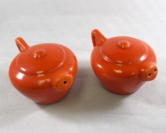 Franciscan Pottery Flame Orange Sperry Flour Art Deco Tea Pot Salt and Pepper Shakers