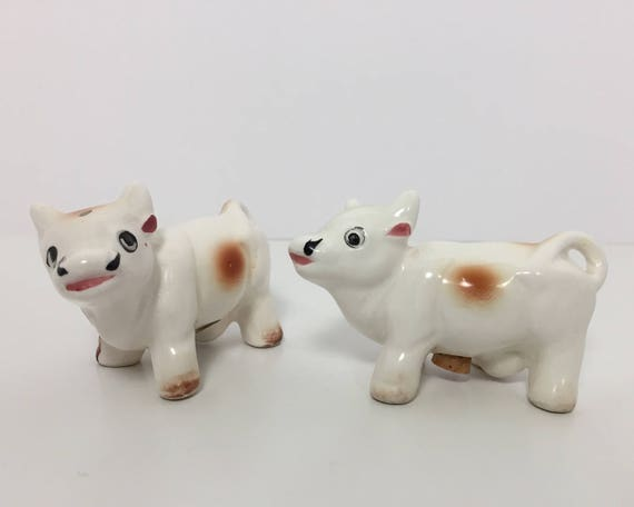 Vintage Novelty Cow Salt and Pepper Shakers - Made in Japan Figural Shakers - White & Brown Cows