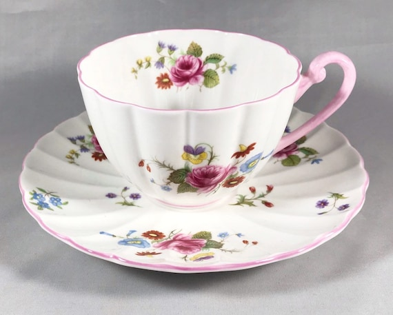 Vintage Shelley China Rose & Red Daisy Teacup and Saucer Pattern 13425