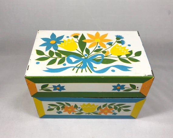 Vintage Tin Litho Recipe Box with Dutch Folk Art Motif - Bouquet of Flowers - Mid Century Design