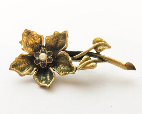 Vintage Gold Tone Flower Brooch with Faux Seed Pearl and Blue Rhinestone Center - Very Pretty - Bronze Color - Elegant Boho Costume Jewelry