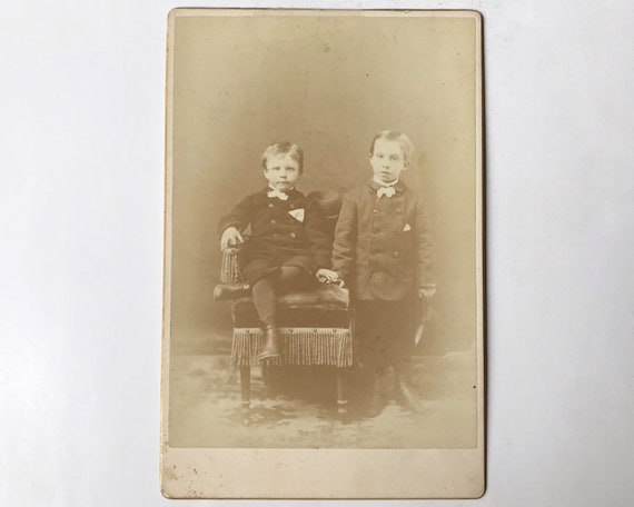 Antique Cabinet Card of Portrait of Two Boys by J. Hansen, Photographer, Yreka, California