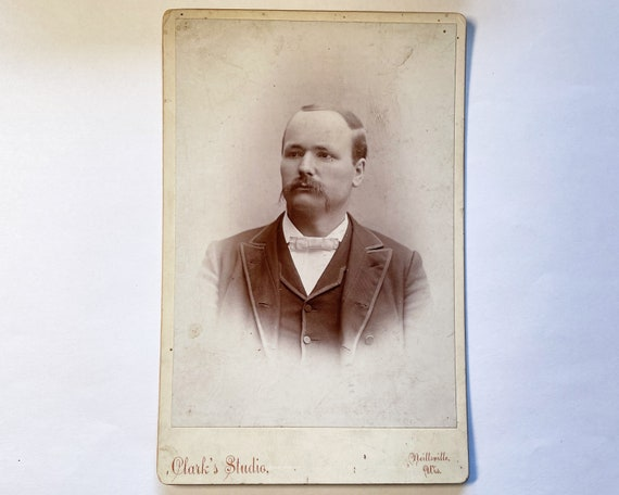 Antique Cabinet Card of Portrait of Young Man, Neillsville, Wisconsin