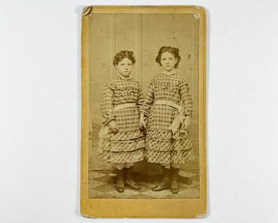Antique Carte de Visite CDV Photograph of Young Victorian Twin Sisters