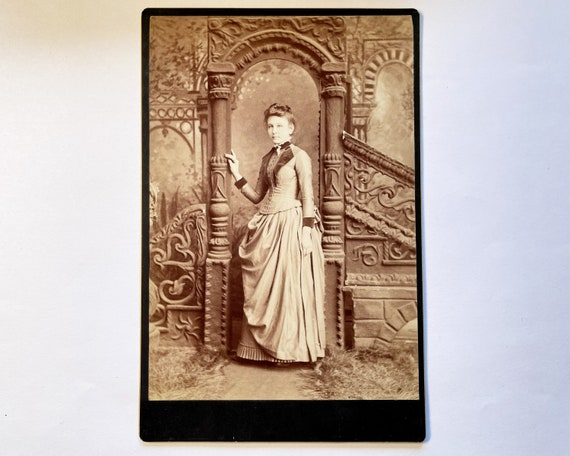 Antique Cabinet Card of Portrait of Beautiful Young Victorian Woman, J. A. Rogers Photographer, Uhrichsville, Ohio
