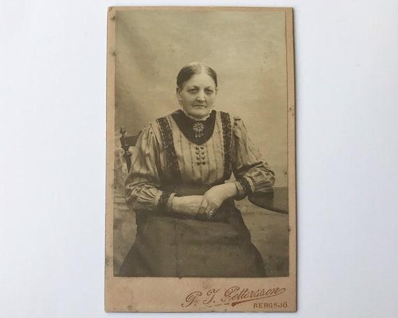Antique Carte de Visite Swedish CDV Photograph of Victorian Old Woman from Bergsjö, Sweden