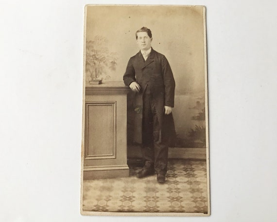 Antique Carte de Visite CDV Photograph of Young Serious Victorian Man