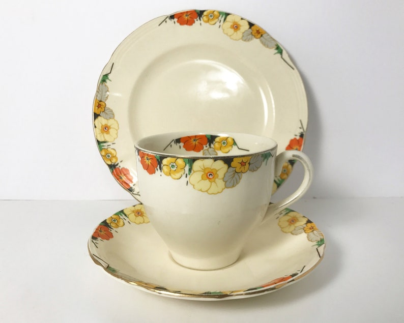 Pottery Alfred Meakin 4 Cups And Saucers Gold Leaf And Flower Alfred Meakin