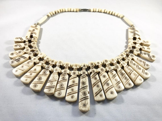 Vintage Mid Century African Carved Bone Bib Necklace - Boho Jewelry