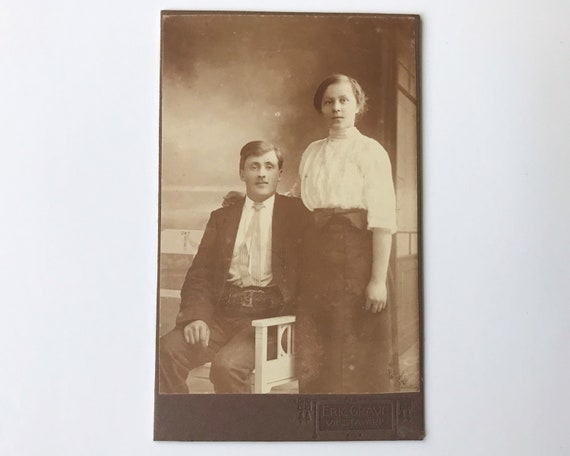 Antique Carte de Visite CDV Photograph of Late Victorian or Edwardian Couple from Vifstavarf, Sweden, Eric Grave Photographer