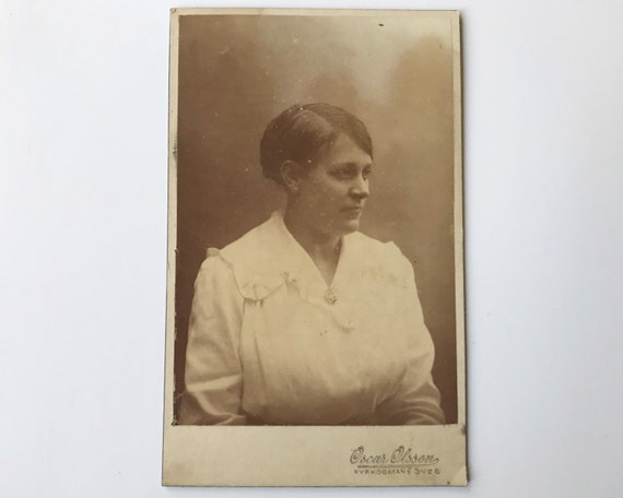 Antique Carte de Visite CDV Photograph of Late Victorian Woman from Gothenburg, Sweden, Oscar Olsson Studio