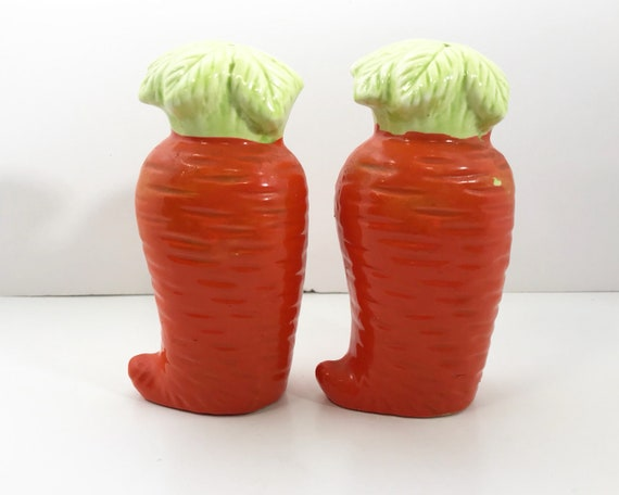 Vintage Absurd Made in Japan Carrot Salt & Pepper Shakers - Novelty Shakers