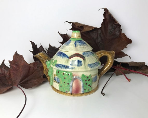 Cottage Ware Teapot -  Made in Japan - Rustic Thatched Cottage Tea Pot in Cottageware - Vintage Kitsch - Farmhouse Kitchen