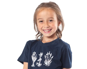 flowers, botanical, t-shirt, kid t-shirt, serigraphy, handmade, recycled cotton, ecofriendly, gift, minimalist, screenprinting, clothing