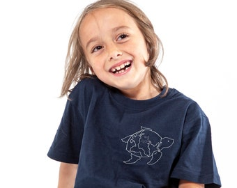 Turtle, t-shirt, kid's t-shirt, adult, serigraphy, handmade, recycled cotton, earth, ecofriendly, gift, sea, minimalist, screenprinting