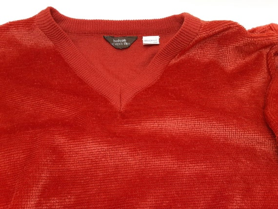 1970s Hudsons The Mens Store Red velour acrylic v