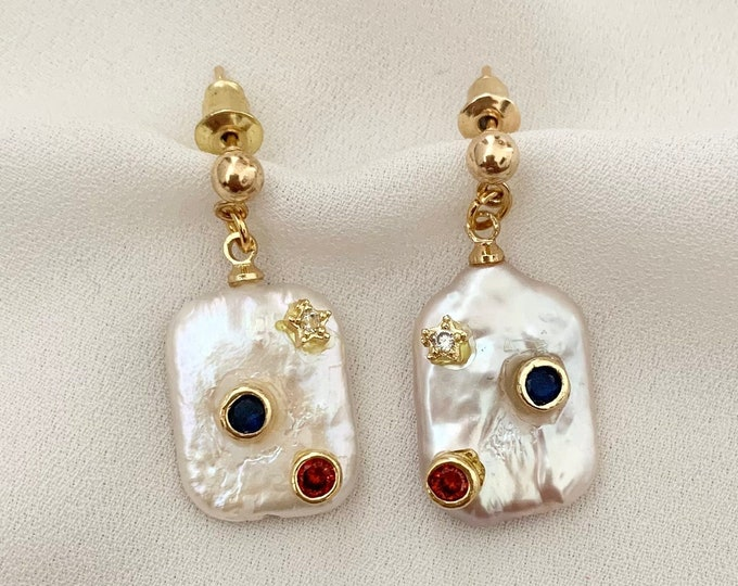 Detailed flat pearl drop gold earrings