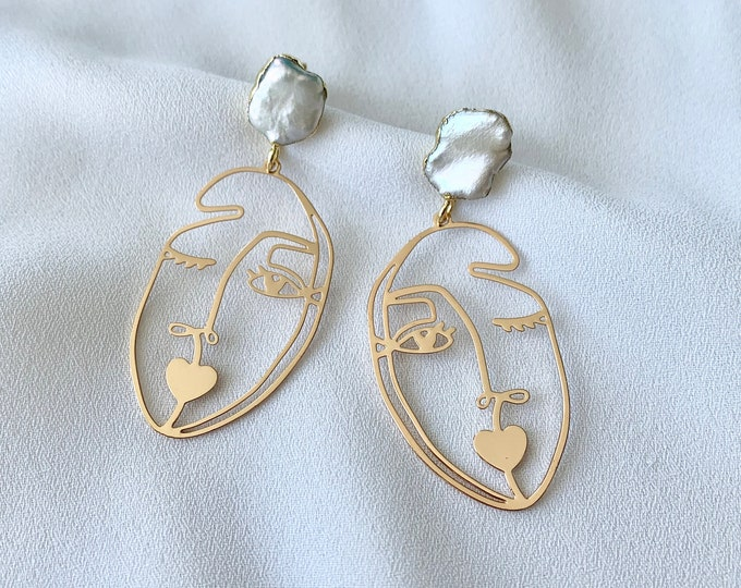 Abstract pearl gold earrings