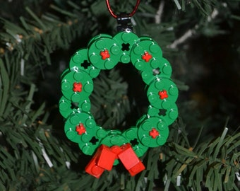LEGO Wreath Christmas Ornament with instructions - Build Your Own!