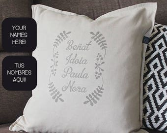 Pillow with family names, personalized and handprinted. Unique gift for housewarming, birthday, home decoration, mothers day, fathers day.